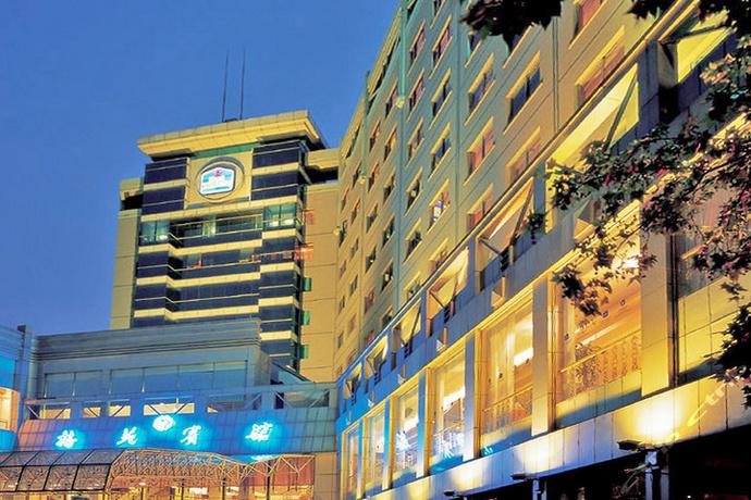 酒店大堂刺绣双面绣隔断订制案例--杭州梅苑宾馆
