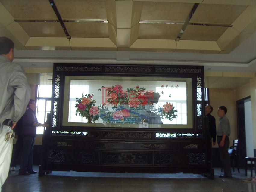 大型国色天香苏绣屏风落户铜陵市地税局