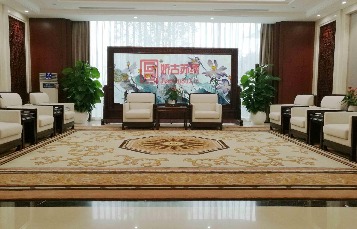 某高档会所会客厅定制大型双面绣落地屏风--苏绣隔断定做案例