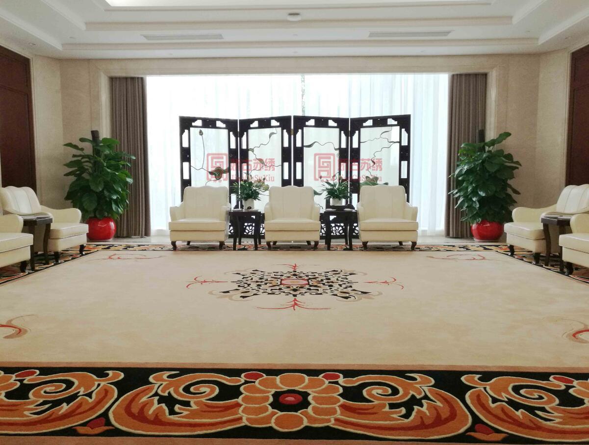 重庆银行定制贵宾室四折双面绣屏风--大型苏州手工刺绣屏风定制案例
